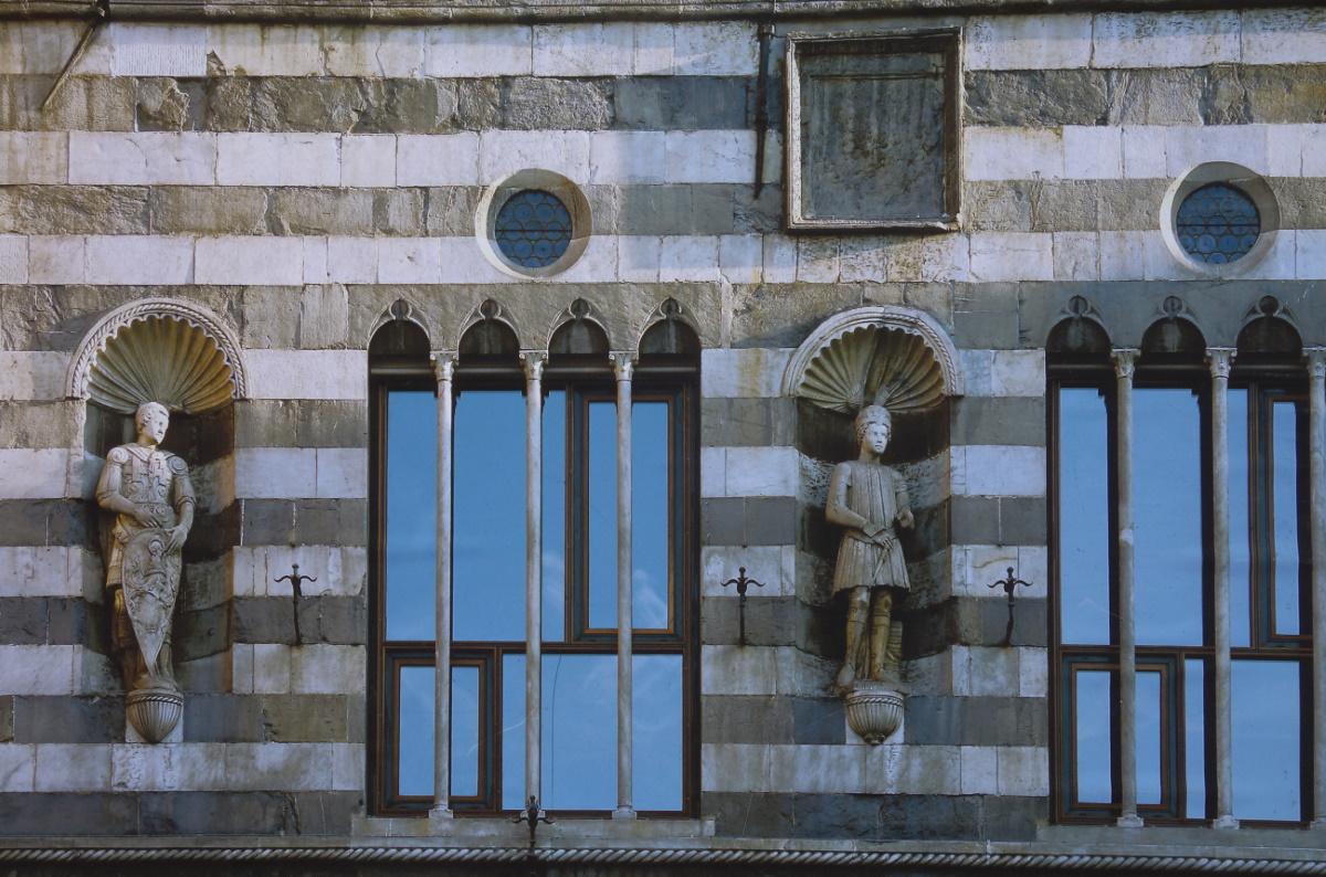 Palazzo dei Marmi, piazza Fontane Marose, Genova